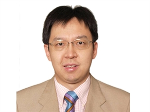 Kenneth C.S. Fong, MB BChir, FRCOphth, FRANZCO, CCT (UK)
